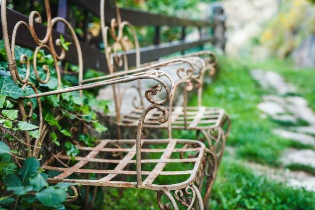 Cuidados para muebles de jardin según su material