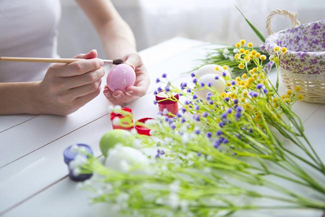 Diy c mo hacer huevos de pascua blog verdecora for Adornos de pascua