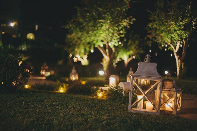Cuatro consejos para iluminar el jard n blog verdecora for Antorchas para jardin