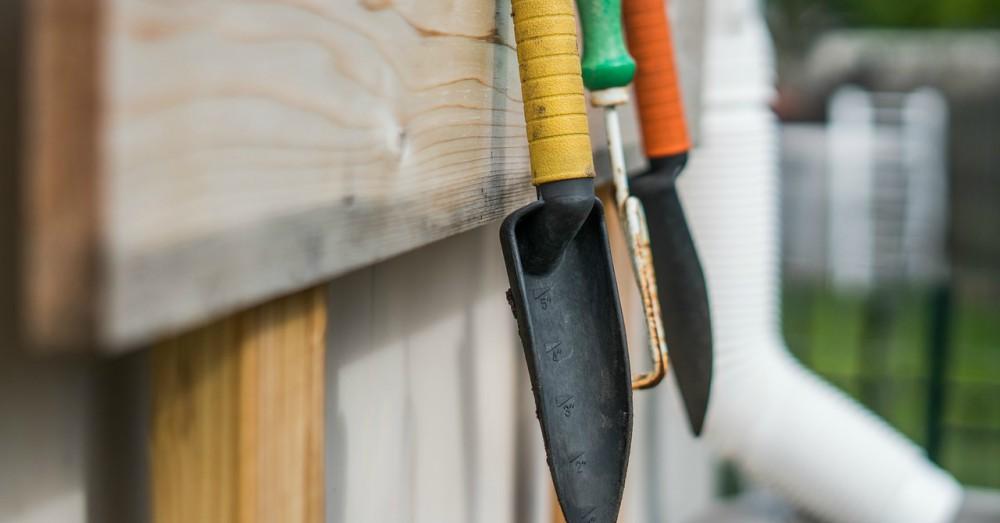 Cuatro tareas de jardiner a esenciales en abril verdecora - Tareas de jardineria ...