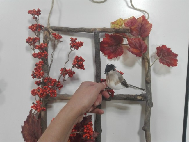 DIY móvil de decoración con flores artificiales
