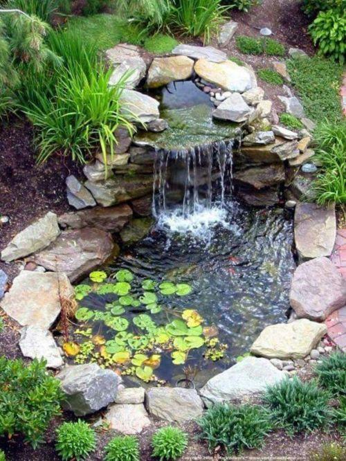 Beneficios de las fuentes de agua para jard n blog verdecora for Estanque de agua jardin